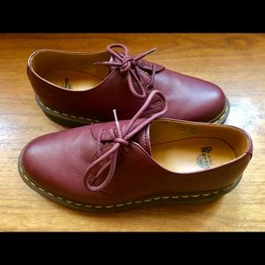 Dr Martens Doc Martens Oxford Size 8 UK 6 Red